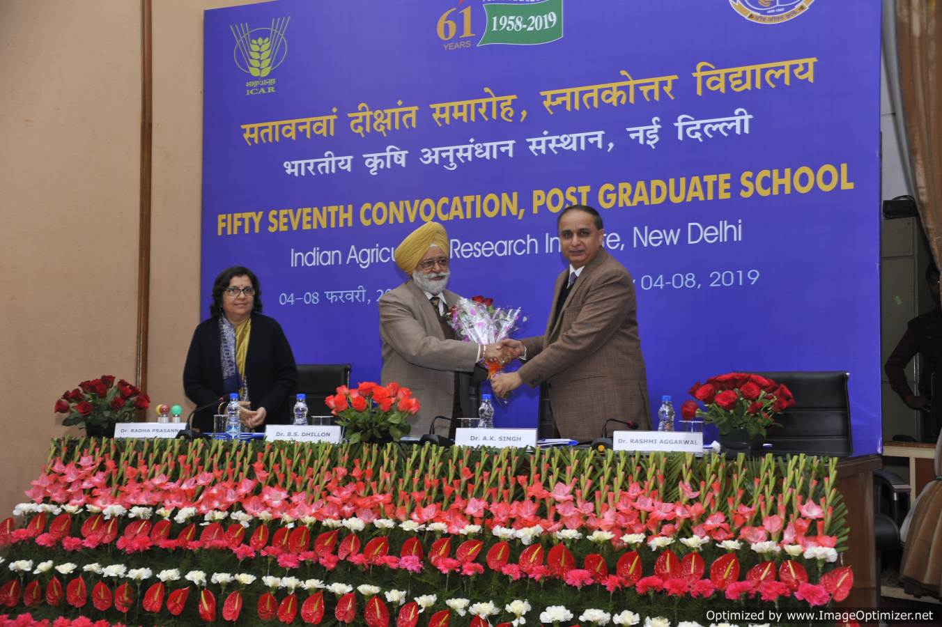 Dr. A.K. Singh , DDG (Ext) & Director IARI welcoming Dr. B.S. Dhillon, Vice chancellor, PAU, Ludhiana during the Gold Medal Presentations at 57th Convocation